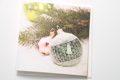 Weihnachtskarte klassisch Kugeln